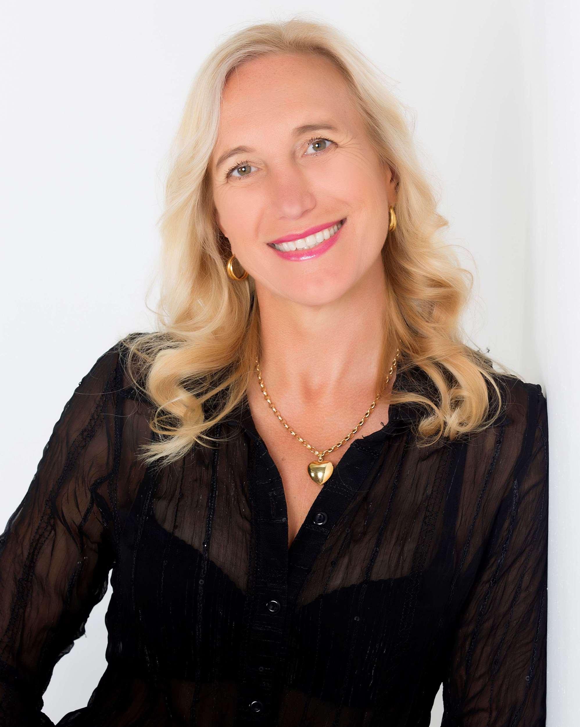 Julie Von Grum